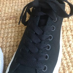 Converse Shoes - Mint Condition: Chuck Taylor All Stars Ox Black